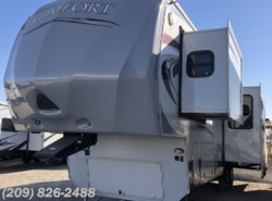 Used 2012 Dutchmen Komfort 2920FRK available in Los Banos, California