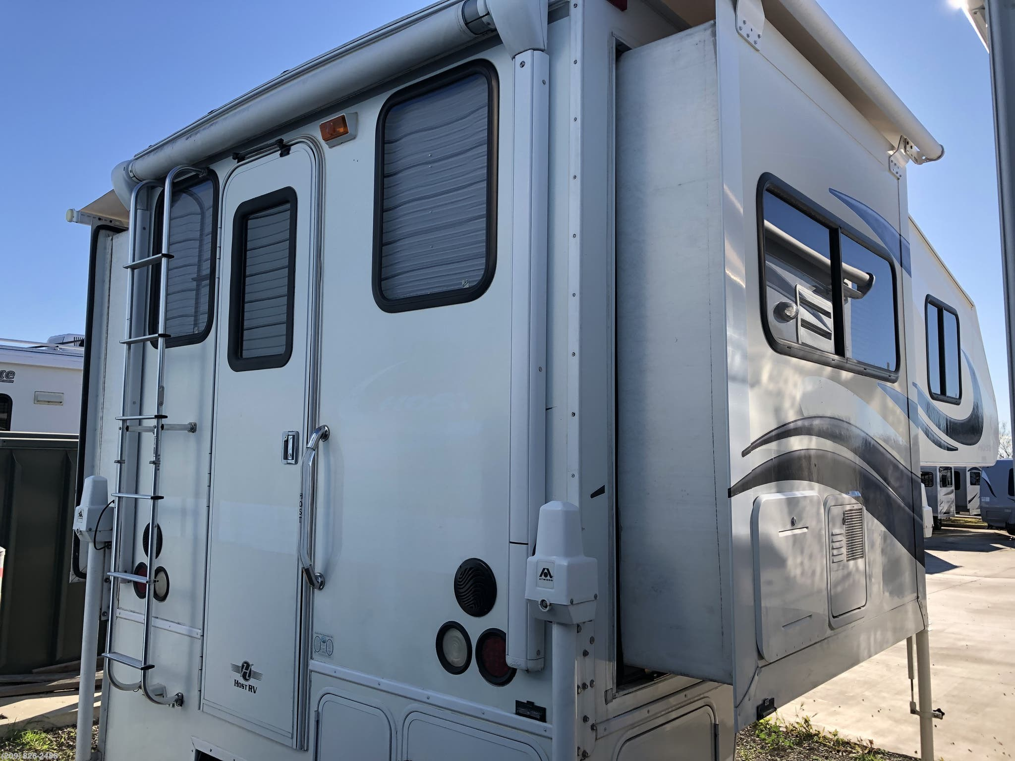 Chinook Truck Camper For Sale