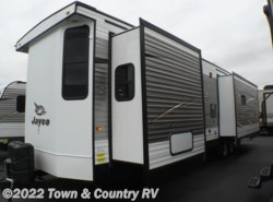 New 2017  Jayco Jay Flight Bungalow 40RLTS by Jayco from Town & Country RV in Clyde, OH