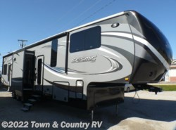 Used 2016  Jayco Seismic 4112 by Jayco from Town & Country RV in Clyde, OH