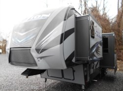 New 2016  Keystone Fuzion 325