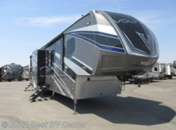 New 2018 Dutchmen Voltage EPIC 3990 Full Body Paint/ 6 Pt. Hydraulic /Ramp D available in Turlock, California