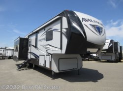 New 2019 Keystone Avalanche 365MB MID BUNKS/ 6 POINT HYDRAULIC AUTO LEVELING/ available in Turlock, California