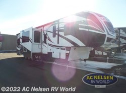 Used 2014  Dutchmen Voltage V3895 by Dutchmen from AC Nelsen RV World in Shakopee, MN