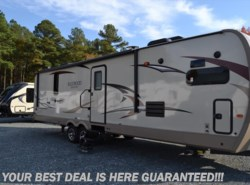 Used 2017  Forest River Rockwood Signature Ultra Lite 8335BSS by Forest River from Delmarva RV Center in Milford, DE