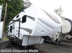 New 2017  Forest River Wildcat Maxx F285RKX by Forest River from U-Neek RV Center in Kelso, WA