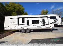 New 2018  Palomino Columbus F389FL by Palomino from Campers Inn RV in Kings Mountain, NC