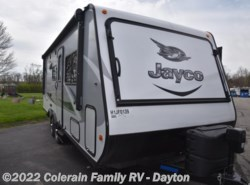 Used 2017  Jayco Jay Feather 23F by Jayco from Colerain RV of Dayton in Dayton, OH