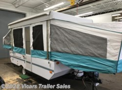 Used 2002  Forest River Rockwood Freedom 2270 by Forest River from Vicars Trailer Sales in Taylor, MI