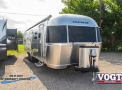 New 2018  Airstream Flying Cloud 30RB by Airstream from Vogt Family Fun Center  in Fort Worth, TX