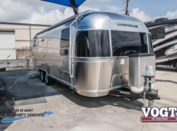 New 2018  Airstream International Signature 27FB by Airstream from Vogt Family Fun Center  in Fort Worth, TX