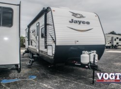 New 2018  Jayco Jay Flight SLX 324BDS by Jayco from Vogt Family Fun Center  in Fort Worth, TX