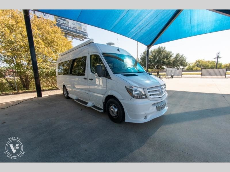 2014 Midwest Daycruiser D6 Limo