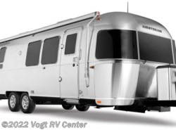 New 2018  Airstream Flying Cloud 28RB by Airstream from Vogt RV Center in Ft. Worth, TX