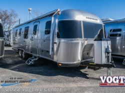 New 2018  Airstream Classic 33FB Twin by Airstream from Vogt RV Center in Ft. Worth, TX