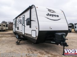 Used 2017  Jayco Jay Flight SLX 32BDSW by Jayco from Vogt RV Center in Ft. Worth, TX