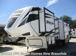 Used 2017  Grand Design Momentum 350 by Grand Design from PPL Motor Homes in New Braunfels, TX