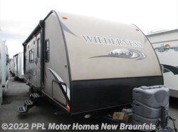 Used 2014  Heartland RV Wilderness 2350BH by Heartland RV from PPL Motor Homes in New Braunfels, TX