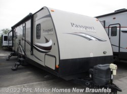 Used 2015  Keystone Passport Ultra Lite 2890RL by Keystone from PPL Motor Homes in New Braunfels, TX