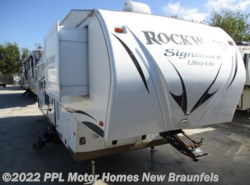 Used 2013  Rockwood  Signature Ultra Lite 8280WS by Rockwood from PPL Motor Homes in New Braunfels, TX