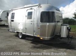 Used 2015 Airstream International 19 SIGNATURE available in New Braunfels, Texas