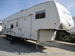 Used 2008 Weekend Warrior Super Lite Toy Hauler 3705LE available in New Braunfels, Texas