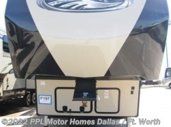 Used 2017  Forest River Sandpiper 378FB by Forest River from PPL Motor Homes in Cleburne, TX