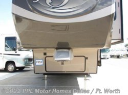 Used 2014  Heartland RV Gateway 3650BH by Heartland RV from PPL Motor Homes in Cleburne, TX