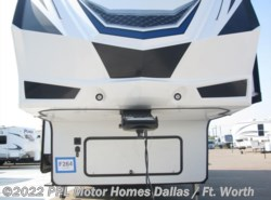 Used 2017  Grand Design Momentum 388M by Grand Design from PPL Motor Homes in Cleburne, TX