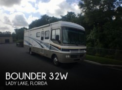 Used 2005  Fleetwood Bounder 32W by Fleetwood from POP RVs in Sarasota, FL