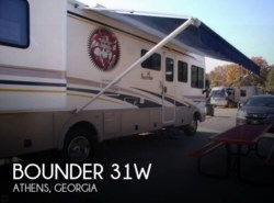 Used 2001  Fleetwood Bounder 31W by Fleetwood from POP RVs in Sarasota, FL