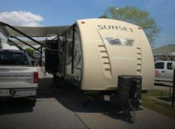 Used 2016  CrossRoads Sunset Trail ST 32 RL by CrossRoads from POP RVs in Sarasota, FL
