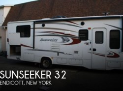 Used 2016  Forest River Sunseeker 32 by Forest River from POP RVs in Sarasota, FL