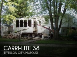 Used 2004 Carriage Carri-Lite 38 available in Jefferson City, Missouri
