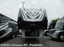 New 2018 Dutchmen Voltage V3005 available in Frederick, Maryland