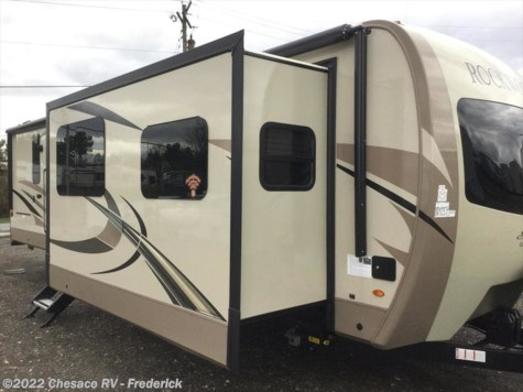 2019 Forest River Rockwood Signature Ultra Lite 8324BS