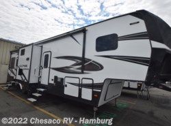 New 2018  Dutchmen Voltage V3305 by Dutchmen from Chesaco RV in Shoemakersville, PA