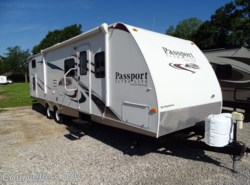Used 2010  Keystone Passport GT 2910BH by Keystone from Courvelle's RV in Opelousas, LA