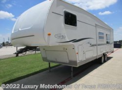 Used 2002  R-Vision Trail-Bay 31ft Bunk Model Single Slide by R-Vision from Luxury Motorhomes Of Texas in Krum, TX