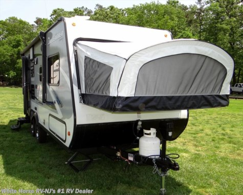 2017 Jayco Jay Feather 7 19XUD Two Drop Down Beds w/Sofa Slideout