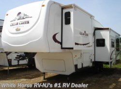 Used 2005  Forest River Cedar Creek Silverback 31LBHBS Queen Bed, Double Slide-out with Bunks by Forest River from White Horse RV Center in Williamstown, NJ