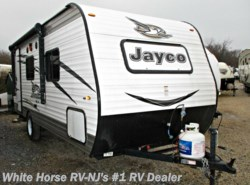 Used 2017  Jayco Jay Flight SLX 195RB Front Walk-Around Queen Bed, Rear Bath by Jayco from White Horse RV Center in Egg Harbor City, NJ