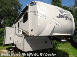 New 2019 Jayco Eagle HT 27SGX Rear Lounge Triple Slideout available in Williamstown, New Jersey