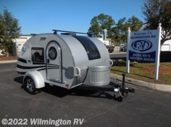 Used 2017  Little Guy Tag Max XL 6 Wide Front Window/Roof Rack by Little Guy from Wilmington RV in Wilmington, NC