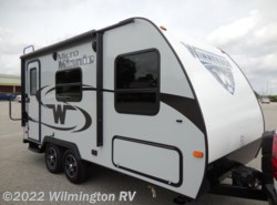 Used 2017  Winnebago Micro Minnie 1706FB by Winnebago from Wilmington RV in Wilmington, NC