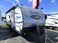 Used 2018  Palomino Puma XLE Lite 17QBC by Palomino from Terry's RV in Murray, UT