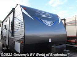 New 2018  CrossRoads Zinger 25RB by CrossRoads from Gerzeny's RV World of Bradenton in Bradenton, FL