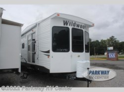 Used 2013  Forest River Wildwood DLX 39FDEN