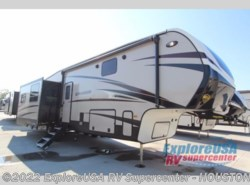 New 2018  CrossRoads Cruiser CR3451FB by CrossRoads from ExploreUSA RV Supercenter - ALVIN, TX in Houston, TX