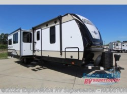 New 2019  Cruiser RV Radiance Ultra Lite 32BH by Cruiser RV from ExploreUSA RV Supercenter - ALVIN, TX in Houston, TX